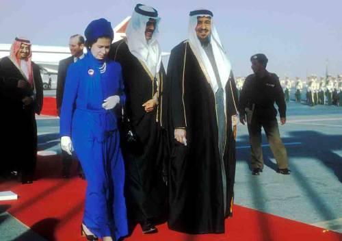 1979_Queen _arrives_Saudi_King_Khalid_SDA001